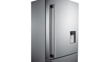 Refrigerator- Bottom Mount SRL448DLSThe Barosa Series refrigerator comes home appliance, kitchen appliance, major appliance, product, product design, refrigerator, white
