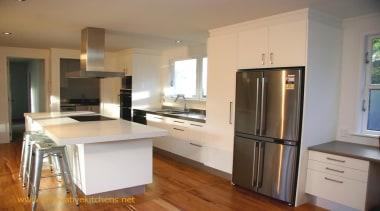 modern glendowie 2013 2.jpg - modern_glendowie_2013_2.jpg - cabinetry cabinetry, countertop, cuisine classique, floor, flooring, hardwood, interior design, kitchen, property, real estate, room, wood flooring, brown, gray