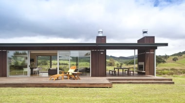 Outdoor contemporary deck timber - Outdoor Deck - house, white