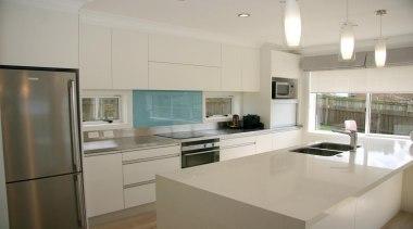 11 hillsborough modern 2013 4.jpg - 11_hillsborough_modern_2013_4.jpg - countertop, cuisine classique, interior design, kitchen, real estate, gray