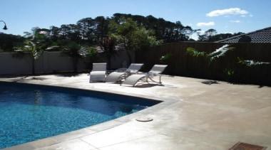 pol0072web.jpg - pol0072web.jpg - backyard | estate | backyard, estate, floor, landscape, landscaping, leisure, outdoor structure, property, real estate, swimming pool, wall, yard, black, white