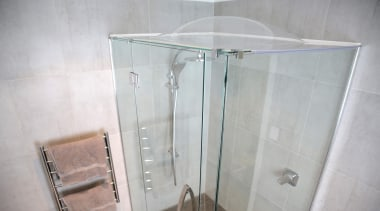 8.jpg - angle | bathroom | glass | angle, bathroom, glass, plumbing fixture, product, property, room, shower, gray