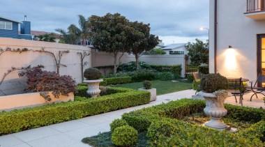 Mellons Bay 5 - backyard   courtyard   backyard, courtyard, estate, garden, home, houseplant, landscaping, outdoor structure, plant, property, real estate, yard, gray