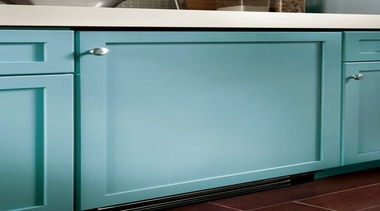 The new True Professional website at www.true-residential.com is glass, product, teal