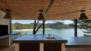 Dekton-Color Kelya Mesa - Encimera Barbacoa Exterior architecture, daylighting, furniture, home, house, interior design, table, wood, brown, black