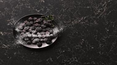 5100 vanilla noir adv2 sml.jpg - 5100_vanilla_noir_adv2_sml.jpg - computer wallpaper, darkness, macro photography, organism, photography, still life photography, water, black