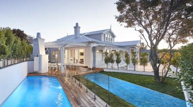 Leuschke Kahn ArchitectsVillaVilla cottage, estate, facade, farmhouse, home, house, mansion, property, real estate, residential area, swimming pool, villa, white