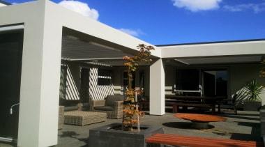 Silencio Rotating Louvres - facade | house | facade, house, outdoor structure, property, real estate, roof, black, gray