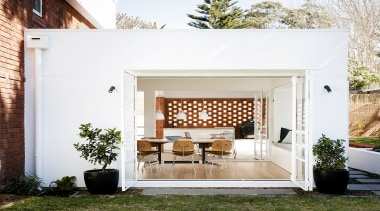 Studio Prineas – Highly Commended – 2019 TIDA architecture, backyard, building, door, furniture, home, house, interior design, living room, patio, porch, property, real estate, residential area, room, table, yard, white