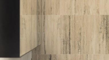 哑光黑色的卫浴洁具搭配有黑色花纹的小麦色的墙面,简洁大气。 floor, flooring, hardwood, interior design, tile, wall, wood, wood flooring, wood stain, orange