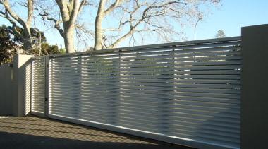 78580_louvretec-new-zealand-ltd_1556758110 - aluminium   architecture   daylighting   aluminium, architecture, daylighting, facade, fence, gate, home fencing, line, material property, metal, real estate, wall, black, gray