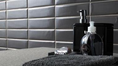 Liverpool Grafite - Liverpool Grafite - floor | floor, flooring, furniture, interior design, room, tile, wall, window, black, gray