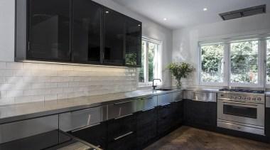 Entrants: Davinia Sutton & Sam Lawrence – 2015 cabinetry, countertop, cuisine classique, interior design, kitchen, real estate, room, gray, black