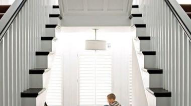 7f687b90961fbfdca382e8149e0fe948.jpg - 7f687b90961fbfdca382e8149e0fe948.jpg - architecture | daylighting | architecture, daylighting, floor, handrail, home, house, interior design, stairs, window, white, gray