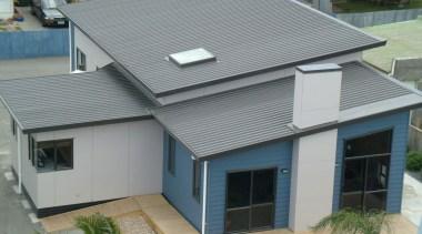 Veedek - Veedek - daylighting | elevation | daylighting, elevation, facade, home, house, property, real estate, roof, siding, window, gray