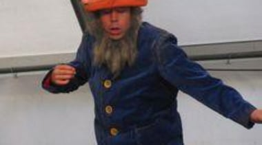 at Ellerslie International Flower Show - Jenny Gillies' costume, headgear, gray