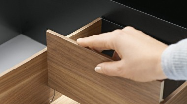 AMBIA-LINE inner dividing system – organization at its angle, desk, floor, furniture, plywood, product design, table, wood, wood stain, brown, black