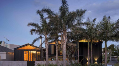 Takapuna, Auckland (designed in association with Rachael Rush) architecture, arecales, cottage, estate, home, house, palm tree, property, real estate, residential area, resort, sky, tree, villa, black, blue