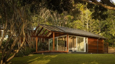 Rowe Baetens Architecture - Highly Commended – 2016 backyard, cottage, estate, grass, home, house, landscape, plant, property, real estate, shed, tree, brown