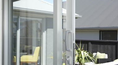 l2o0104.jpg - l2o0104.jpg - daylighting | door | daylighting, door, glass, window, gray, white