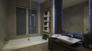 059frame house 19 - Frame_house_19 - bathroom | bathroom, estate, home, interior design, property, room, window, black