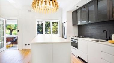 9cb0fd33eddcd150f58115bd4ff2e7b8.jpg - 9cb0fd33eddcd150f58115bd4ff2e7b8.jpg - countertop | cuisine classique countertop, cuisine classique, interior design, kitchen, property, real estate, room, white