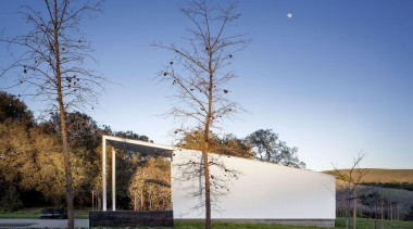 Hupomone Ranch is a LEED Platinum house designed architecture, house, morning, plant, rural area, sky, sunlight, tree, blue