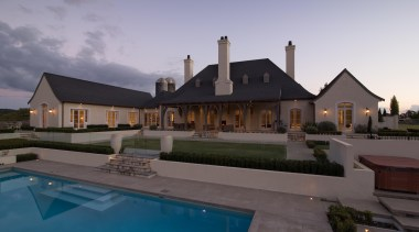 img4512edit.jpg - img4512edit.jpg - architecture | cottage | architecture, cottage, elevation, estate, facade, home, house, mansion, property, real estate, reflection, residential area, roof, sky, swimming pool, villa, window, gray