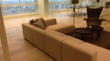Concreate NGTI 18 - Concreate_NGTI_18 - couch | couch, floor, flooring, furniture, hardwood, interior design, living room, product design, property, table, waiting room, wood flooring, brown