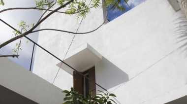 House among the trees, Colombo, Sri LankaNadeesha Athukorala architecture, building, daylighting, facade, home, house, property, real estate, roof, wall, window, white