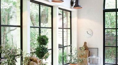 1c20ad060314f05878dfdb38607ed46a.jpg - 1c20ad060314f05878dfdb38607ed46a.jpg - home | interior design home, interior design, living room, table, window, white