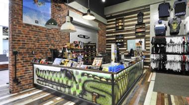 dsc4572edit - Dsc 4572 Edit - liquor store liquor store, retail, black