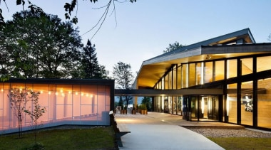The Mont-Tremblant national park discovery centre in Québec architecture, building, facade, home, house, mixed use, real estate, residential area
