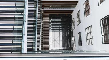 132 vincent street3.jpg - 132_vincent_street3.jpg - architecture | architecture, building, condominium, daylighting, facade, glass, window, white, black