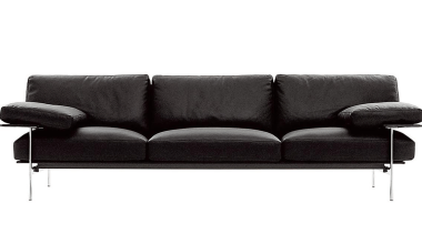 bebitaliacitteriodiesissofablack3seat1200.jpg - bebitaliacitteriodiesissofablack3seat1200.jpg - angle | couch | angle, couch, furniture, loveseat, product, product design, sofa bed, white, black