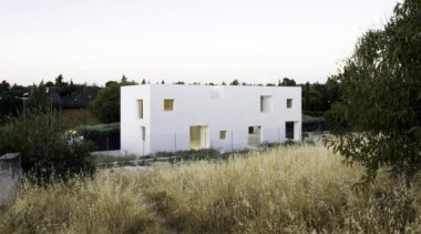 Casa H, Madrid, Spainbojaus - World Architecture News cottage, facade, farmhouse, home, house, land lot, property, real estate, villa, white, brown
