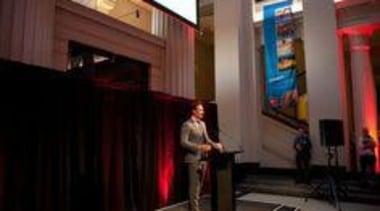 Melle de Pater addresses the crowd at Auckland interior design, black