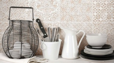 La Chic - ceramic | porcelain | product ceramic, porcelain, product design, serveware, tableware, tap, white