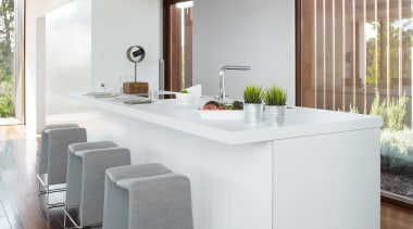 Silestone Blanco Zeus - encimera cocina 5 - floor, furniture, house, interior design, kitchen, living room, table, gray, white