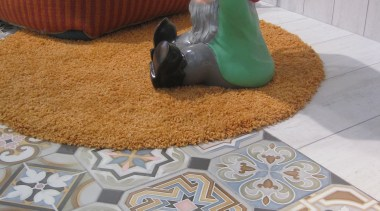 img3679.jpg - img3679.jpg - carpet | floor | carpet, floor, flooring, material, play, table, tablecloth, textile, tile, gray