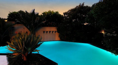 U shaped custom designed pool - Custom built evening, landscape, landscape lighting, leisure, light, lighting, nature, reflection, sky, sunlight, swimming pool, tree, vacation, water, black, teal