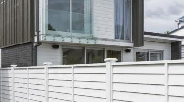 theblock2014070.jpg - theblock2014070.jpg - balcony | facade | balcony, facade, fence, handrail, home, siding, window, white, gray