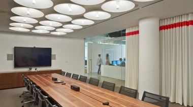 wk12061417940x626.jpg - wk12061417940x626.jpg - ceiling | conference hall ceiling, conference hall, interior design, table, gray