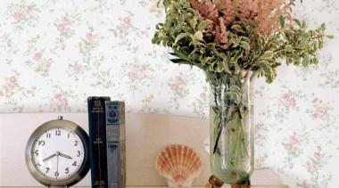 Saphyr II Range - artificial flower   flowerpot artificial flower, flowerpot, table, vase, white