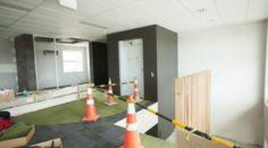 Installation of Naturali basalto vena scura on walls. interior design, real estate, white