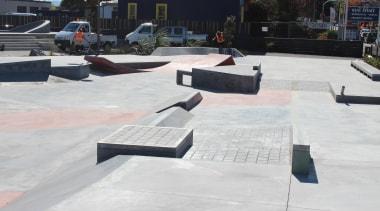 colourmix 12.jpg - colourmix_12.jpg - asphalt | boardsport asphalt, boardsport, memorial, roof, skateboarding, walkway, white, black