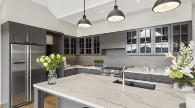 Beautiful Primestone Pola 40mm wrm white Satuario venato countertop, cuisine classique, interior design, kitchen, gray