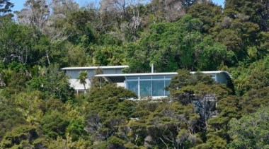 Mahurangi Steel House, Auckland, New ZealandKamermans biome, house, nature reserve, plant, plant community, property, real estate, tree, vegetation, brown