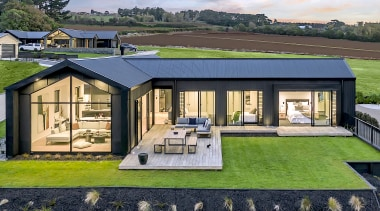 This contemporary north-facing single, level pavilion home is