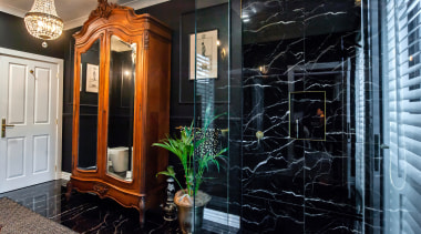 A glamorous space that reflects the rest of